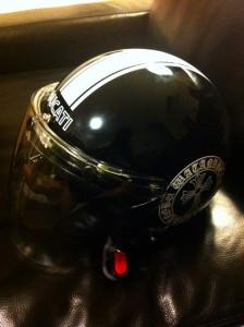 クロムハーツロゴ風ヘルメットステッカー